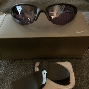 SALE!! Nike sunglasses with 2 sets of lenses